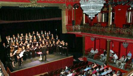 Presentación de en Madrid el Coro Sinfónico de La Rioja en el Teatro Infanta Isabel
